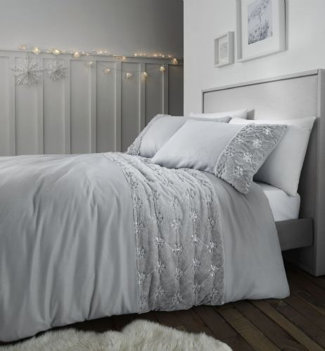 Catherine Lansfield Cosy Snowflake Silver Bedding Set